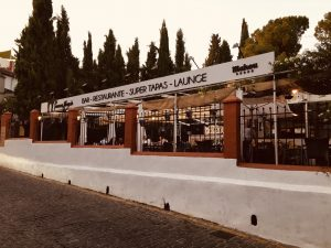 An external image of Restaurante la Terraza Albayzin in Granada