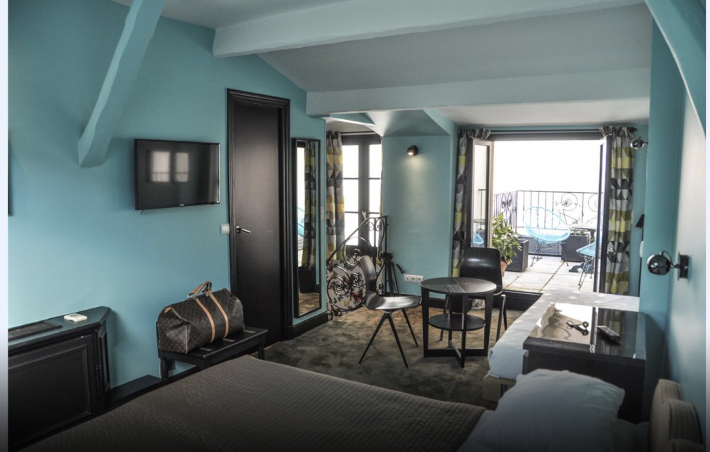 Hotel Noir, Paris duplex suite with private terrace